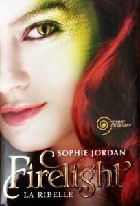 Copertina libro Firelight di Sophie Jordan